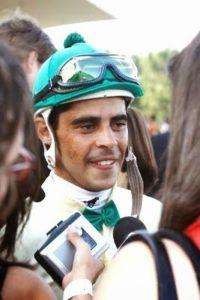 Curitiba, 06-12-09 - Jockey - José Aparecido da Silva, joquei vencedor do Grande Prêmio Paraná. Foto: Arnaldo Alves / AENotícias.