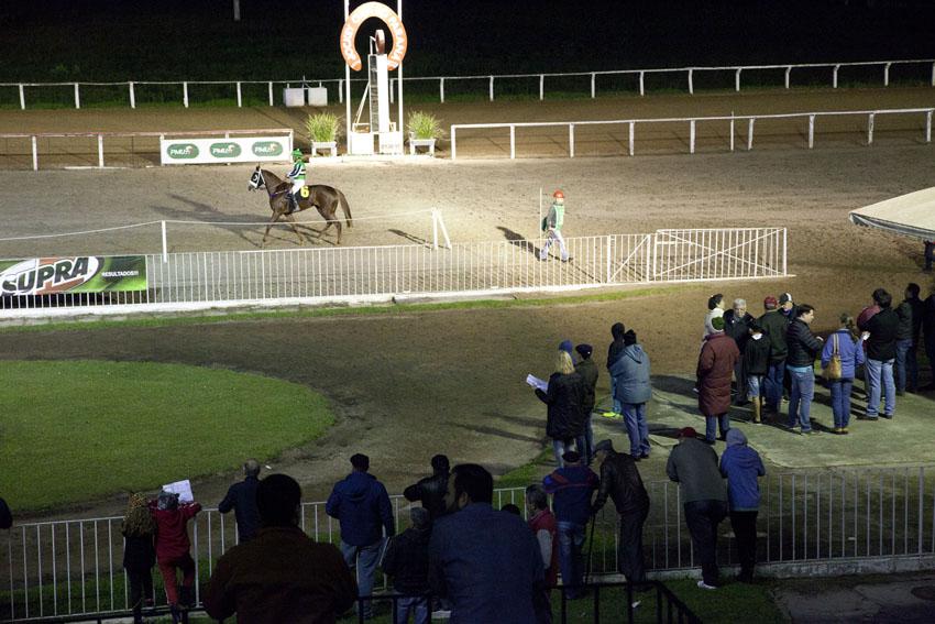 Jockey Club do Paraná, 517º reunião em 15/05/2017 Hipódromo do Tarumã