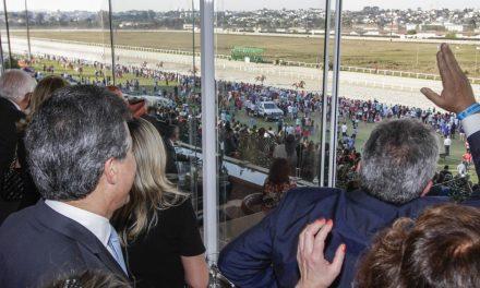 Governador Beto Richa prestigia 75º Grande Prêmio Paraná de Turfe
